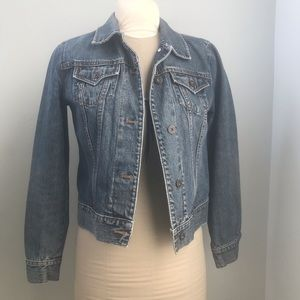 Gap Denim Jacket classic Jean size Medium